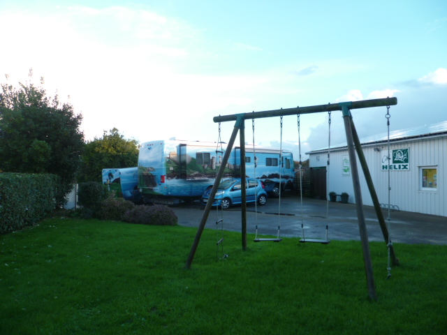 Aire camping-car à Goulien (29770) - Photo 2